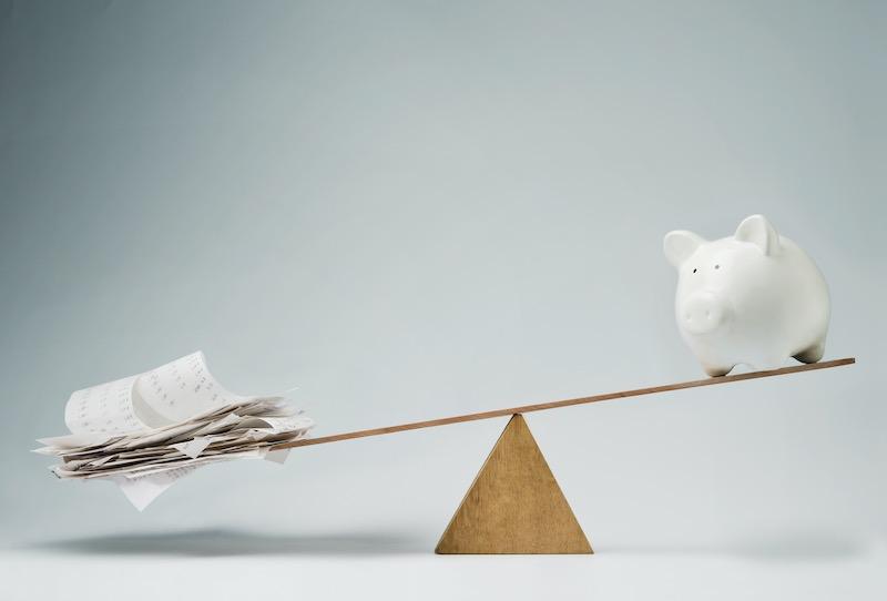 debt-outpaces-savings