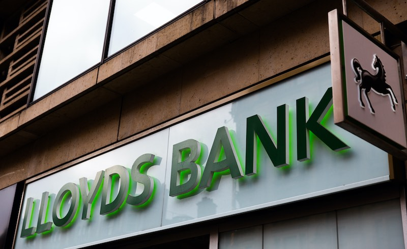 Lloyds-Bank-winter-support