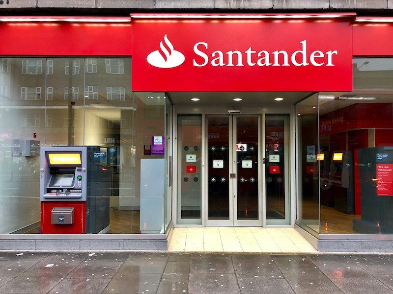 santander-to-close-111-branch-locations