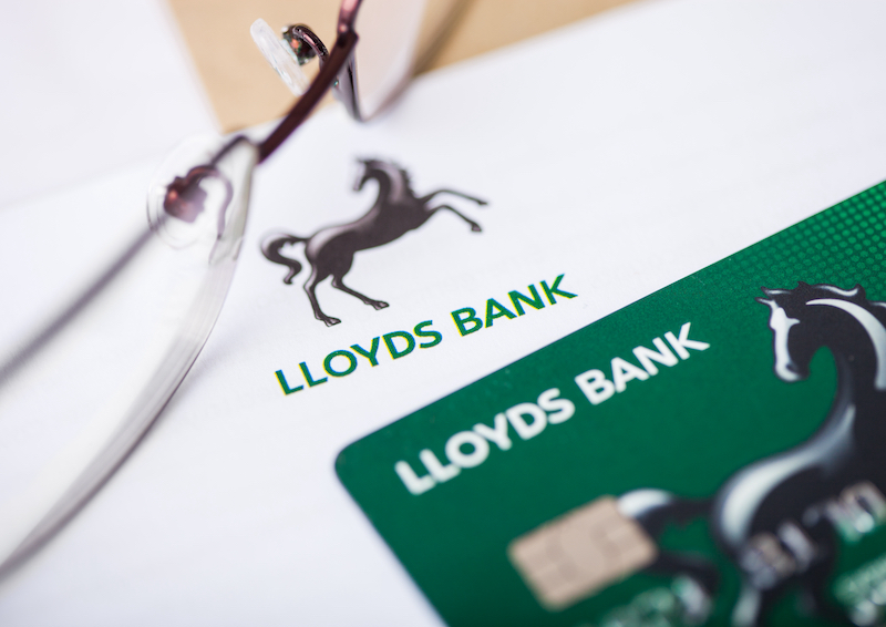 lloyds-and-starling-win-current-account-wars