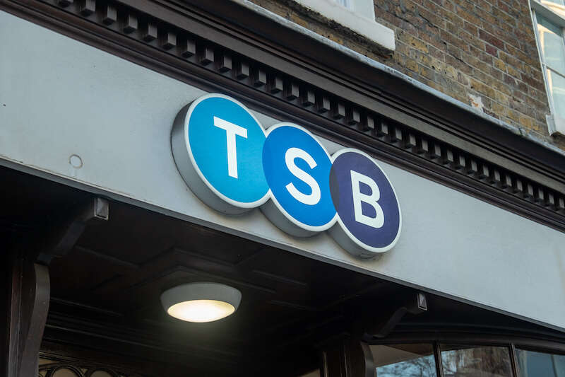 hsbc-and-tsb-launch-mortgages-at-record-low-rate-of-0.94 (1)