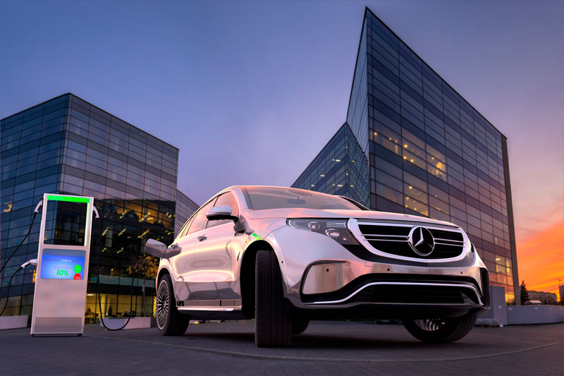 Mercedes-Benz vs Tesla
