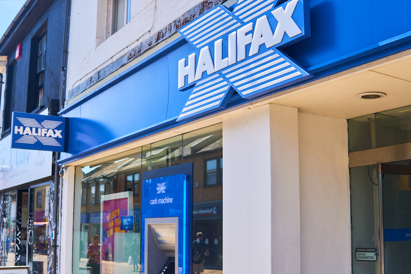 halifax-shattered-records-with-0.83%-mortgage