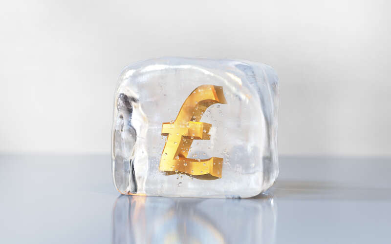 banks-freezing-accounts-for-charges-as-small-as-£50 (1)