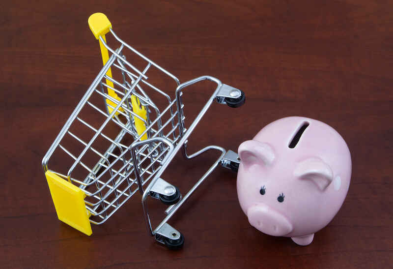 households-reined-in-spending-and-paid-down-debt-this-summer