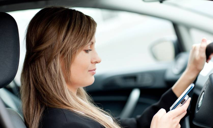 driver-texting-2